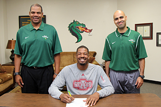 PJC's Ronnie White signing with ArkState photo